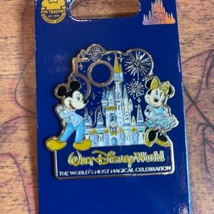 2021 Walt Disney World 50th Anniversary Mickey & Minnie Castle Pin